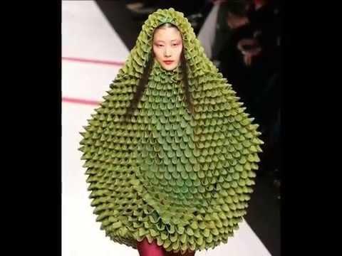 個性的なファッションの有名人の画像