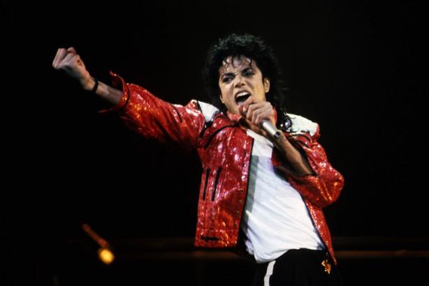 死後も稼ぐマイケル・ジャクソン 年収892億円で音楽業界1位に | Forbes JAPAN(フォーブス ジャパン)