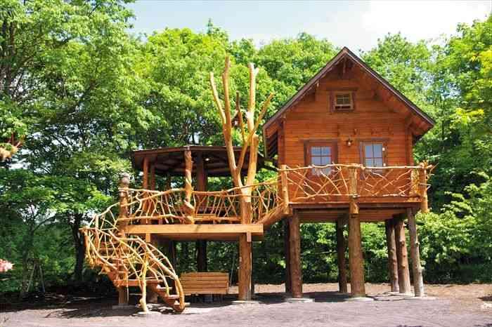 まるで秘密基地気分!日本国内で宿泊できる「ツリーハウス」10選