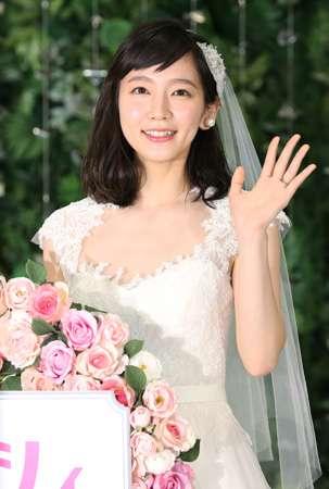 吉岡里帆、ゼクシィ9代目CMガールに=「シンデレラ気分」、結婚は「30歳過ぎかな」