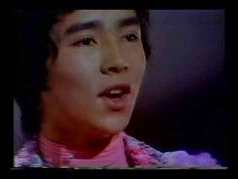 Hiromi Go 男の子女の子 - YouTube