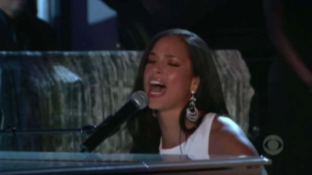 Alicia Keys - If I Ain't Got You - Live Grammy Awards [HD] - YouTube