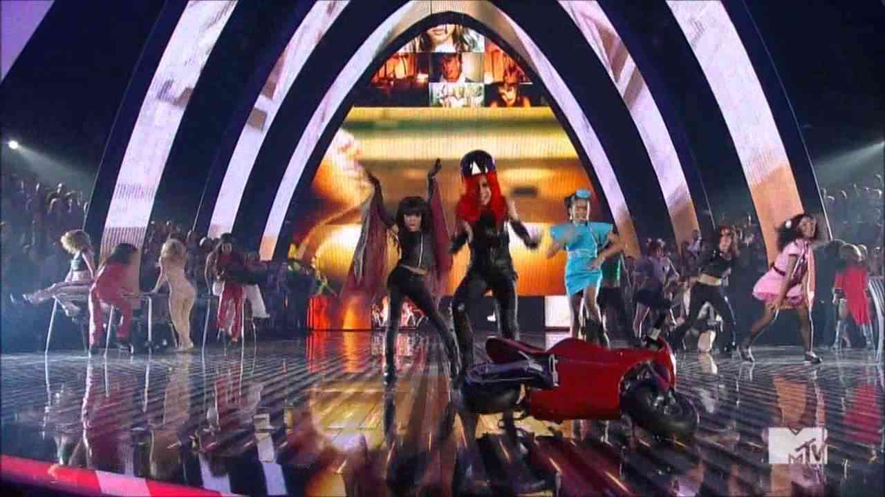 Mtv Vma 2011 Tribute a Britney Spears - YouTube