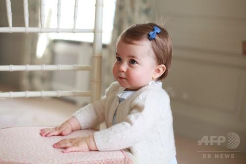 シャーロット英王女、1歳誕生日を前に新たな写真公開