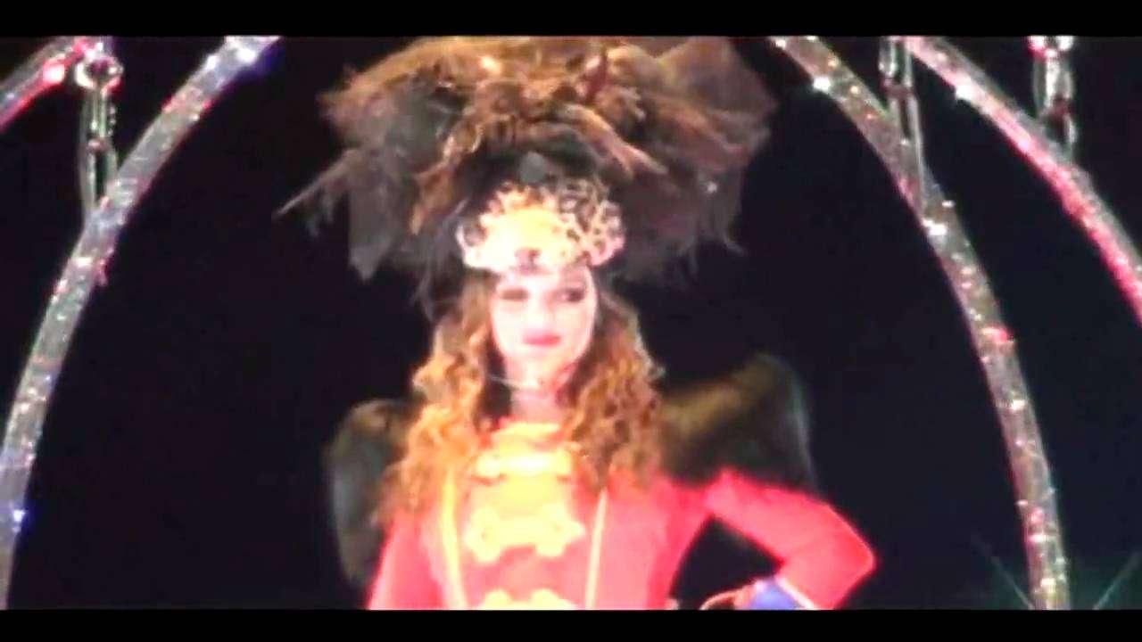 Intro + Circus - HD DVD Britney Spears Live In Paris - YouTube