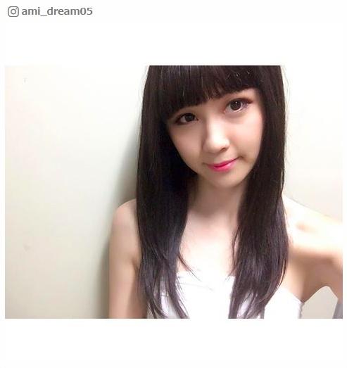 """E-girls・Amiの""""黒髪""""に驚きの声殺到「鷲尾ちゃんに似てる」「イメチェンどころじゃない」 - モデルプレス"""