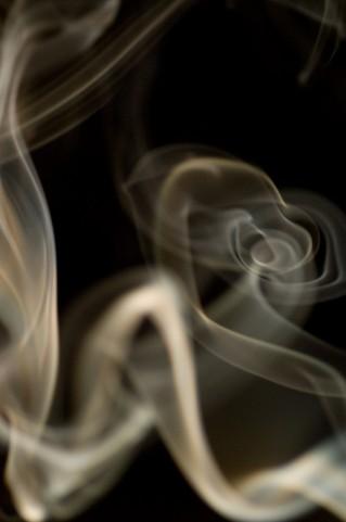 禁煙と学歴の相関性とは?「高卒の禁煙率48.8% 院卒80.7%」―米調査|「マイナビウーマン」