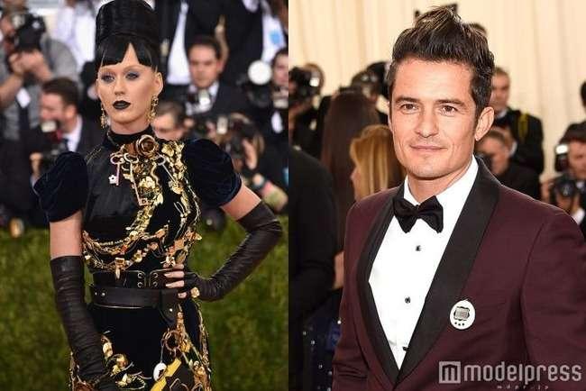 セレブパーティで大物俳優と歌手が『たまごっち』をドレスに装着!「謎だけど可愛い」と話題