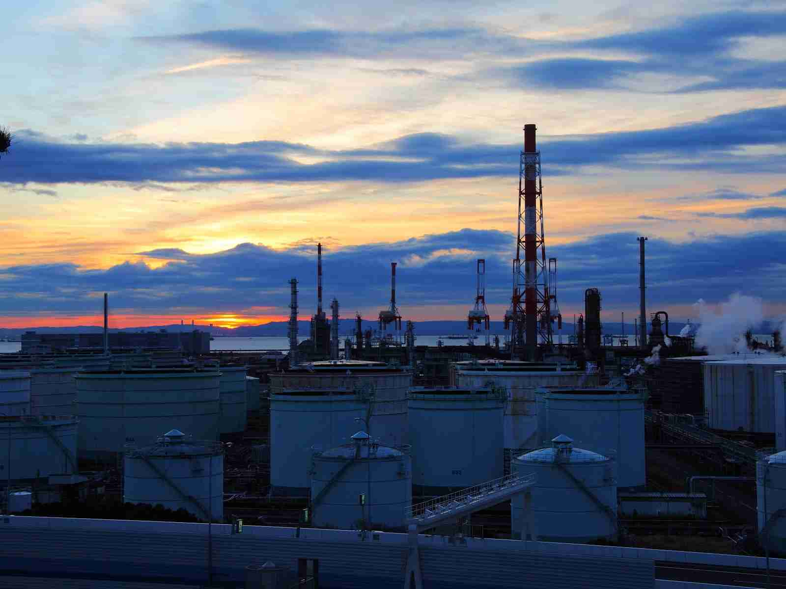 工場夜景の画像
