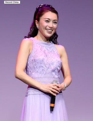 酒井法子、テレビ復帰絶望も中国人向けディナーショーで「月収500万円」の荒稼ぎ!