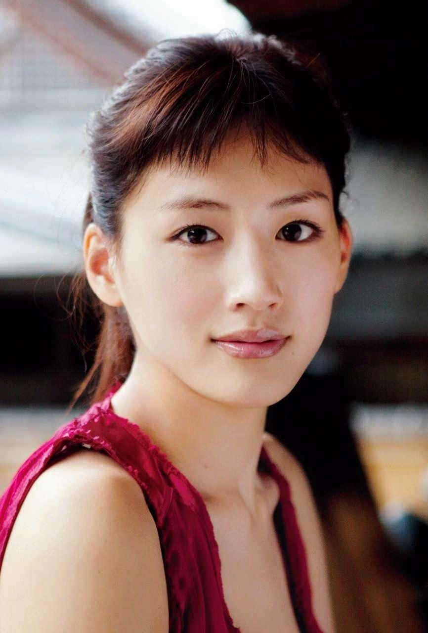 堤真一、綾瀬はるかが再タッグ 映画「本能寺ホテル」今度は「オダ」!? (デイリースポーツ) - Yahoo!ニュース