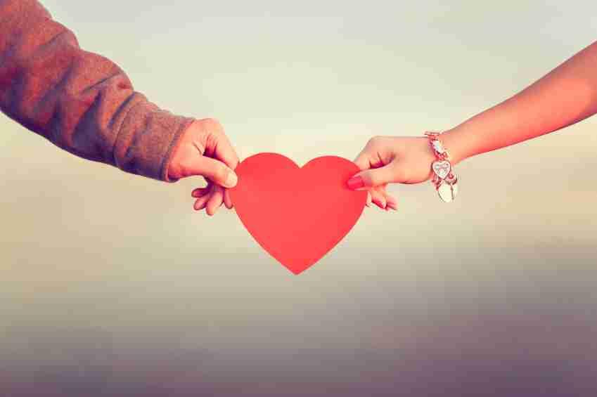婚約者、旦那の過去の恋愛話は聞きますか?