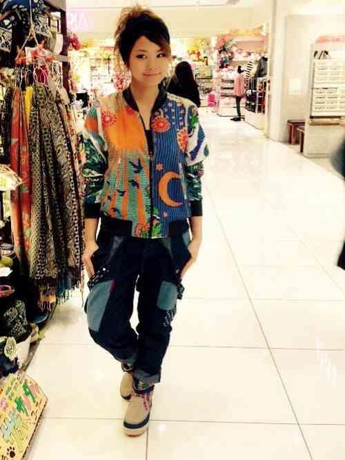 エスニックファッションが好きな人ー!