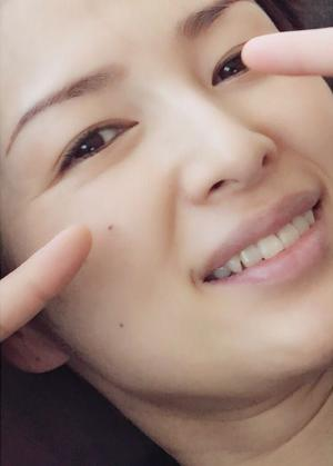 吉瀬美智子、ドアップ顔も美しい。シミひとつ無く
