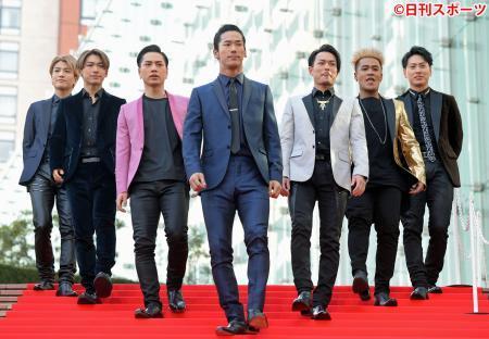 三代目JSB「光栄」上半期売上76.9億で初1位/5冠達成