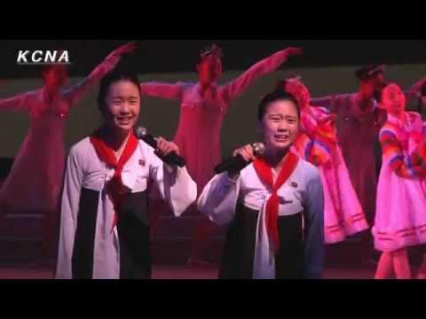 北朝鮮への忠誠を誓う東京朝鮮学校の生徒たち - YouTube