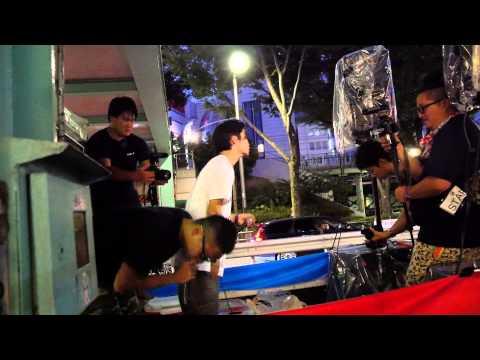 2015年8月23日 SEALDsメンバーによる時代ラップ(牛田+奥田ペア)表参道デモ - YouTube