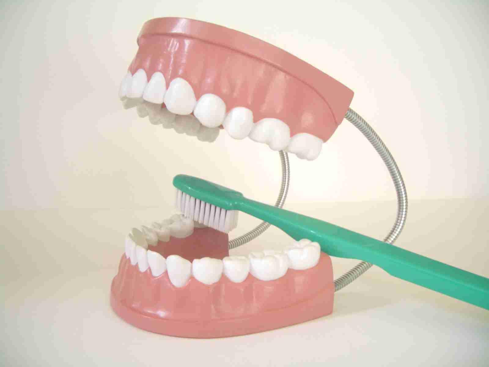 最後は抜歯まで行き着く「銀歯治療」の負の連鎖