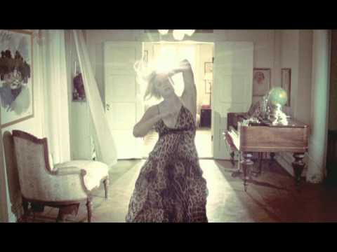 Lykke Li - Little Bit - YouTube