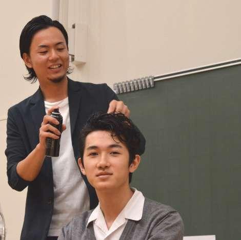眉カットの行列も 「見た目を磨く」授業に男子高校生大熱狂 | ORICON STYLE