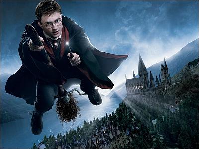 日本にも魔法学校があった!「ハリー・ポッター」シリーズの作者J.K.ローリングさんが明らかに