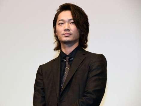 綾野剛、表現の自主規制に持論「日本が潔癖症になっている」 | ORICON STYLE