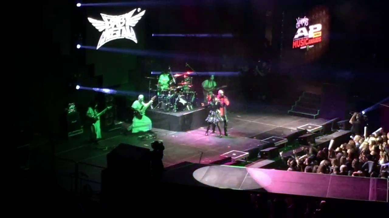 BabyMetal and Rob Halford - Painkiller and Breaking the Law - LIVE - YouTube