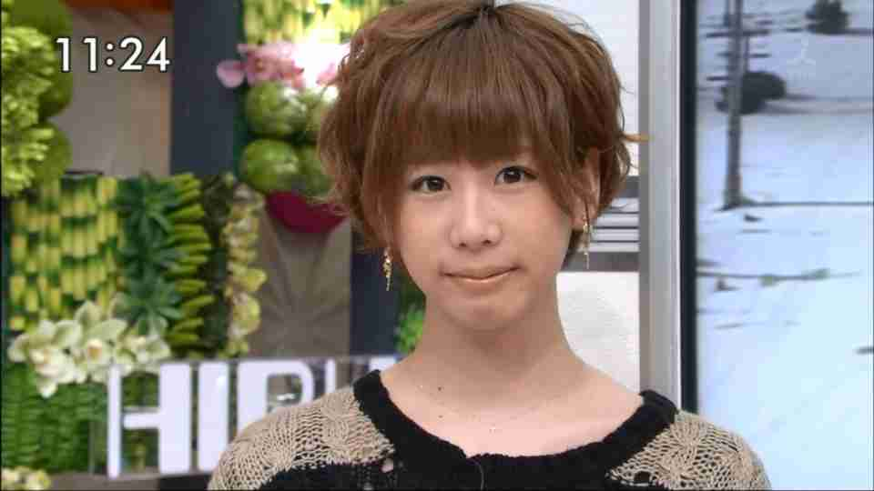 能年玲奈をSNSに掲載…仕事がなくなりかけている篠田麻里子が打って出た「窮余の策」か