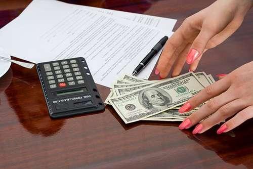 1億円以上の年収を得た弁護士が続出した、過払い金返還バブルをまとめてみる。テレビCMや電車広告では未だに宣伝が活況ですよね。 - クレジットカードの読みもの