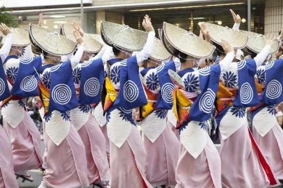 阿波踊り2016芸能人やゲストの会場は?日程や交通規制は?   豆知識PRESS