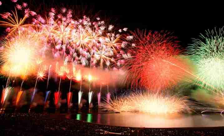 大阪では天神祭です。皆さんの地域の大きなお祭りは?