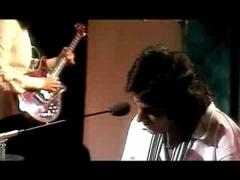 Queen - Good Old Fashioned Lover Boy (Top Of The Pops, 1977) - YouTube