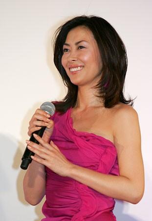 「女優として崖っぷち」デビュー30周年がまったく盛り上がらない中山美穂