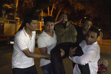 バングラ首都の飲食店で武装集団が立てこもり、ISが犯行声明 写真6枚 国際ニュース:AFPBB News