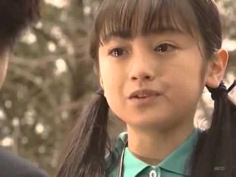家なき子(1994年)第1話より。すず「同情するなら金おくれ」「人は裏切るんだよ」 - YouTube