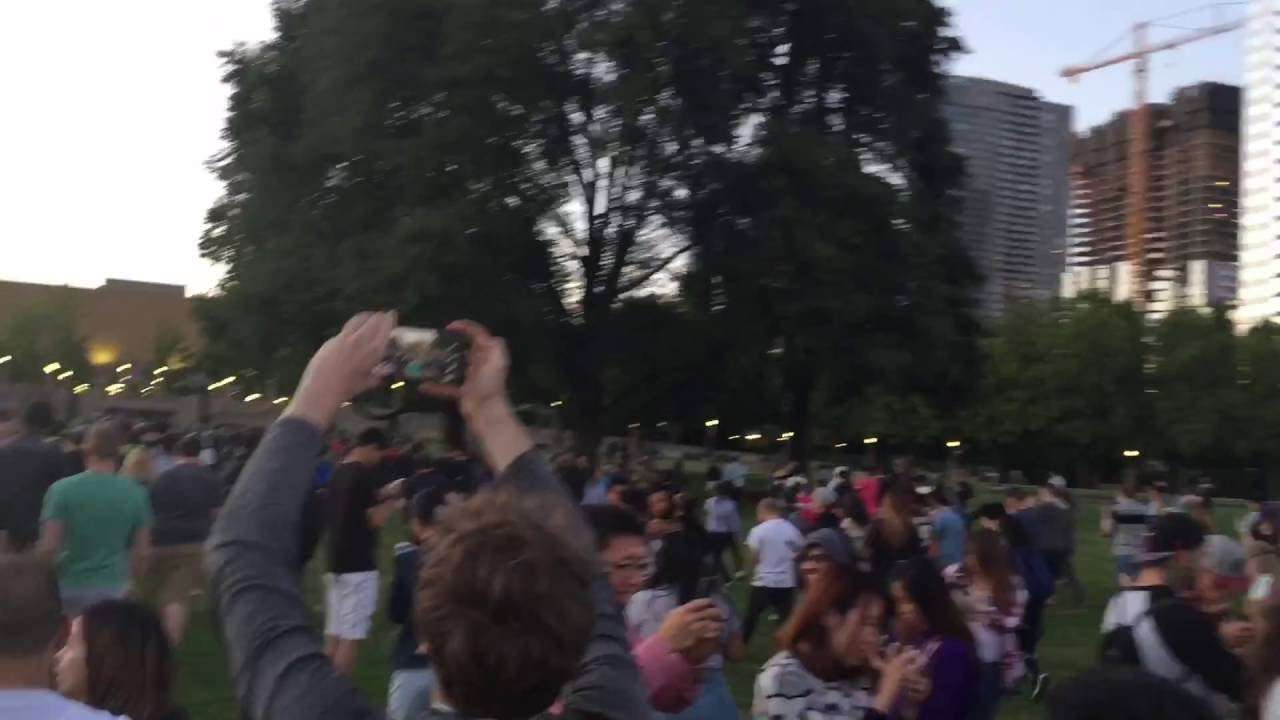 Pokemon Go players go mad as rare Pokemon appears in US park - YouTube