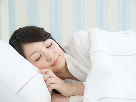 知らない人は絶対損してる!?「睡眠」はコスパ抜群なスキンケア方法だった!!