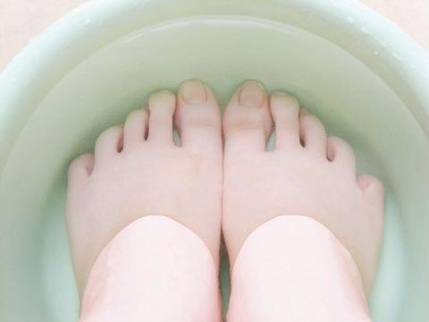 【医師が監修】足の臭いに有効な重曹とは