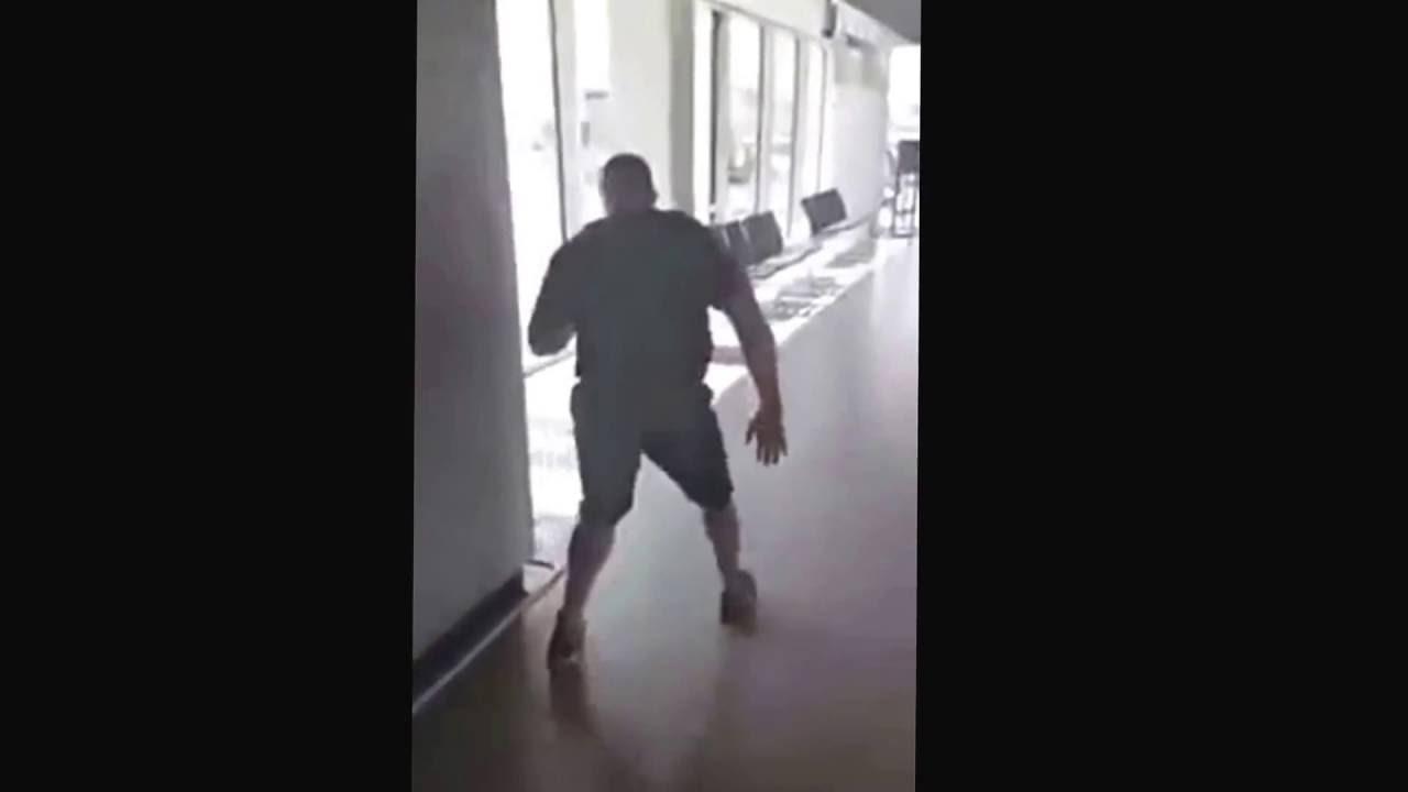 ポケモンGOにハマる格闘家のミルコクロコップさん41歳がまるで不審者 - YouTube