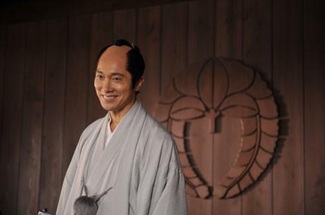 佐々木蔵之介、主演舞台で初の丸刈り「楽ですね」