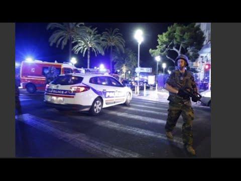 Truck Plows Into Crowd in France フランスの花火大会でトラックが突っ込み大勢死亡 - YouTube