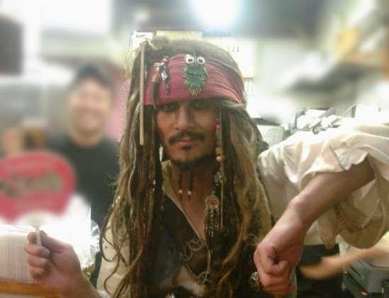「高円寺のジャック・スパロウ」仮装男性、はねられ死亡