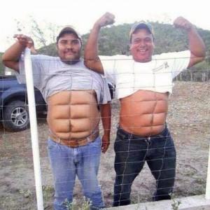 男性の腹筋トピ