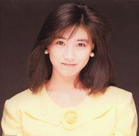 秋元康の嫁・高井麻巳子 現在の画像と過去の写真【おニャン子クラブ】 - NAVER まとめ