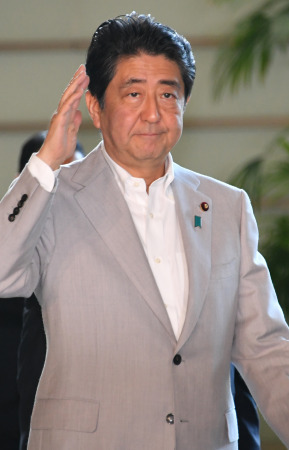 安倍晋三首相、橋下徹氏らと会談  改憲巡り意見交換か