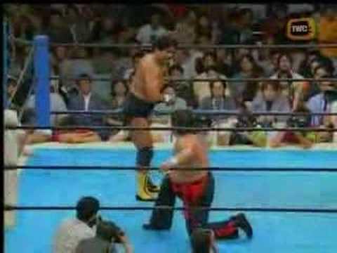 Hashimoto vs. Tenryu - YouTube