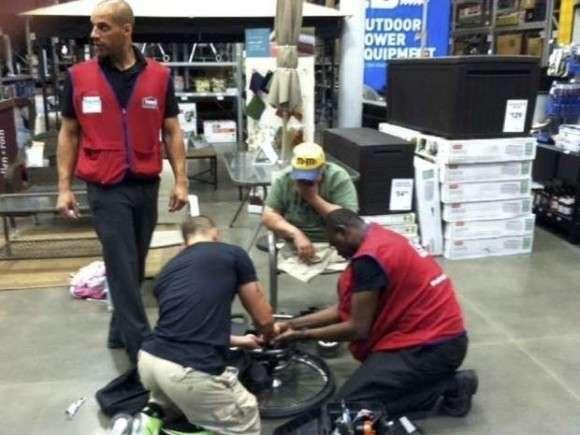 退役軍人のバラバラになった車椅子を無償で修理してくれた店員の話(アメリカ) : カラパイア