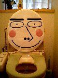 出先でトイレの便座に座る?座らない?