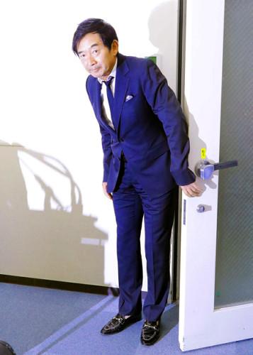 「都知事でも靴下ははかない」…石田純一に聞く : スポーツ報知