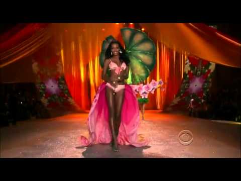 Rihanna   Phresh Out The Runway   Victoria's Secret Fashion Show 2012 FULL HD - YouTube